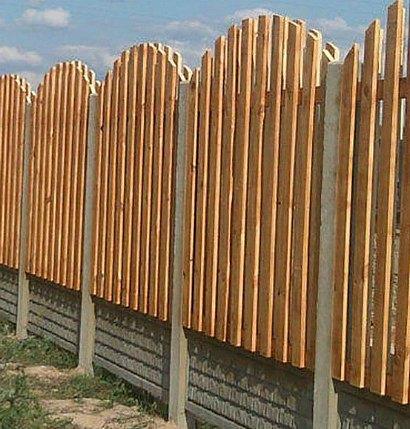 Ограждение дачного участка забором - из разных материалов